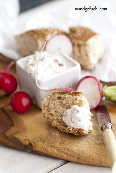 Radieschenaufstrich – der gesunde Snack für die Mittagspause
