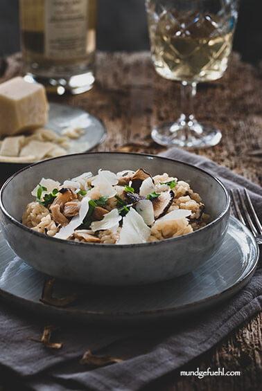Steinpilzrisotto mit getrockneten Steinpilzen und Parmesan