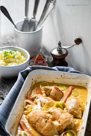 Hühnerrouladen mit Kartoffelstampf in würziger Sauce
