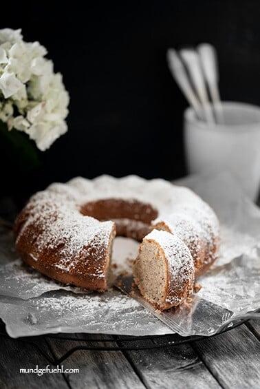 Schneller Becherkuchen mit Nüssen