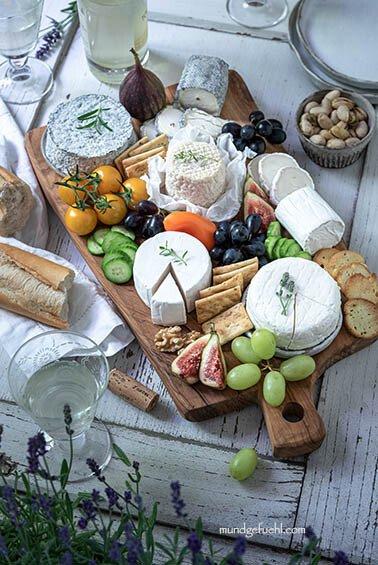 Käseplatte mit Ziegenkäse aus Frankreich